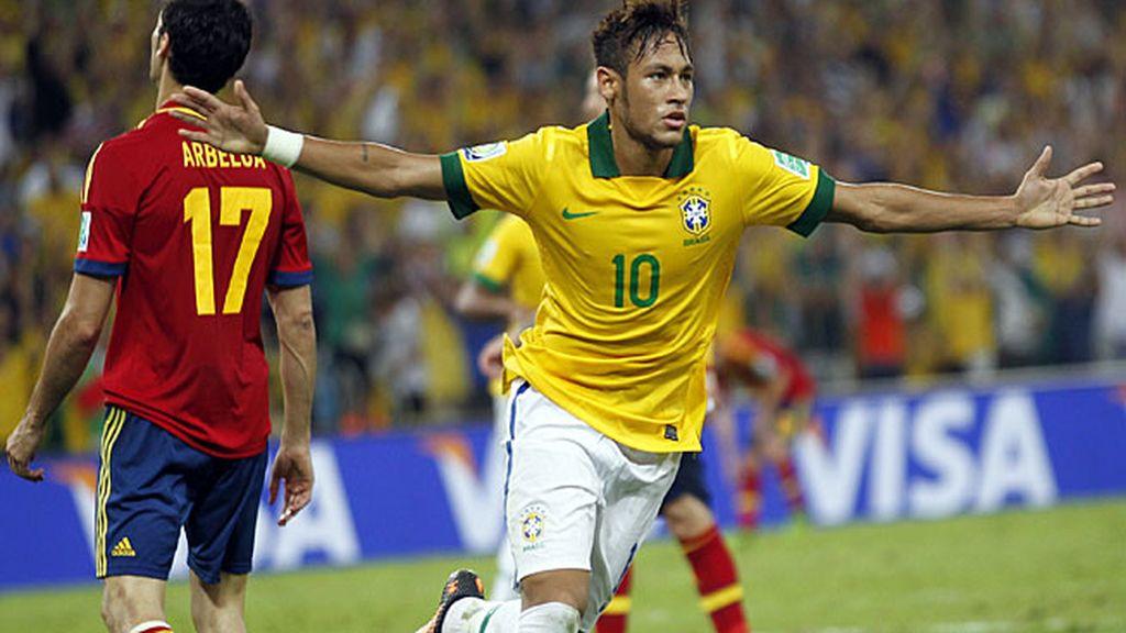 Neymar celebra el segundo gol de Brasil