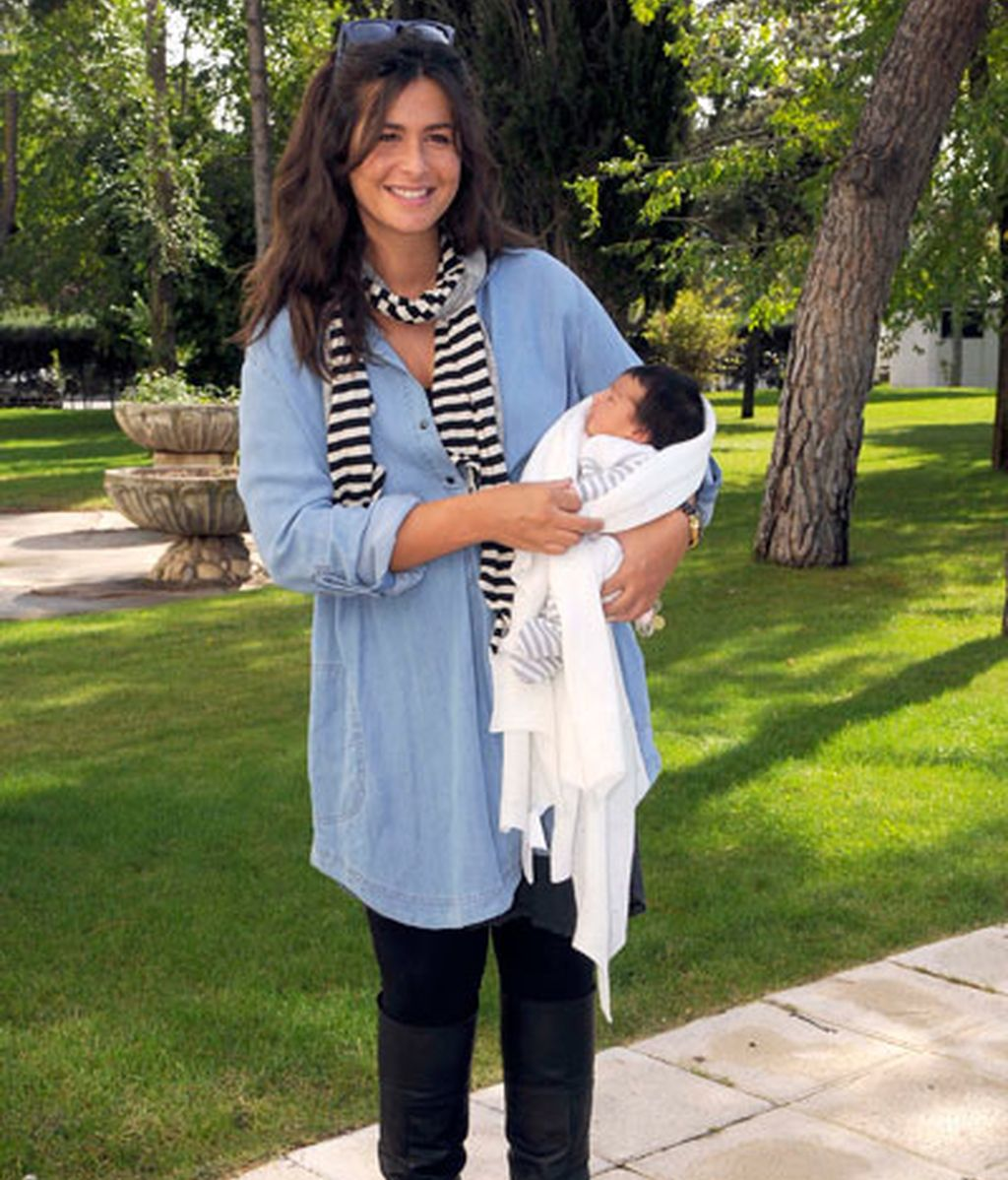 Nuria Roca presenta a Olivia