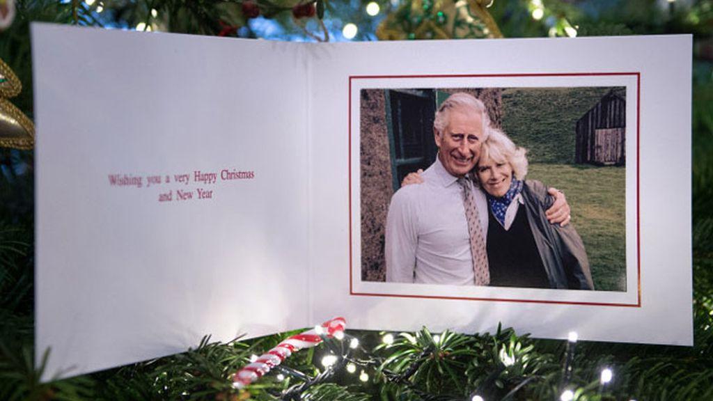 Príncipe Carlos  su esposa Camila felicitan por Navidad