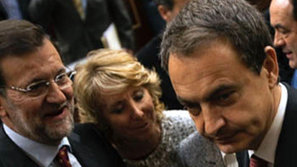 Rajoy firmará contra la subida del IVA si la campaña de Aguirre sale adelante
