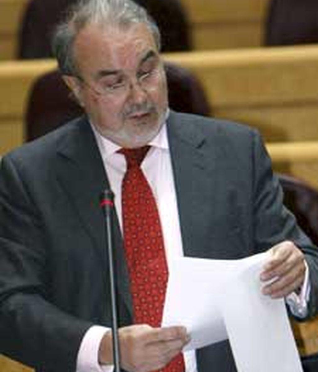 Pedro Solbes ha anunciado la medida este martes en el pleno del Senado. Vídeo: ATLAS