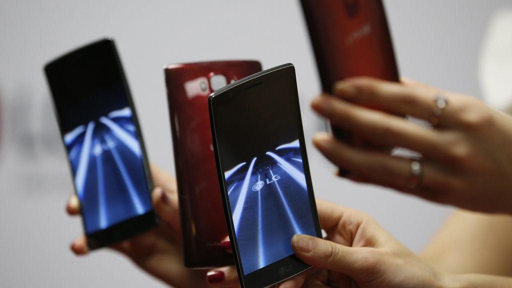 LG pone los smartphones curvos al alcance de todos los bolsillos