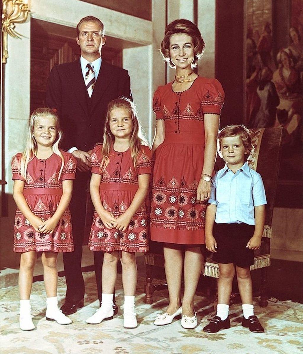 Los guiños futboleros de la Reina y familia