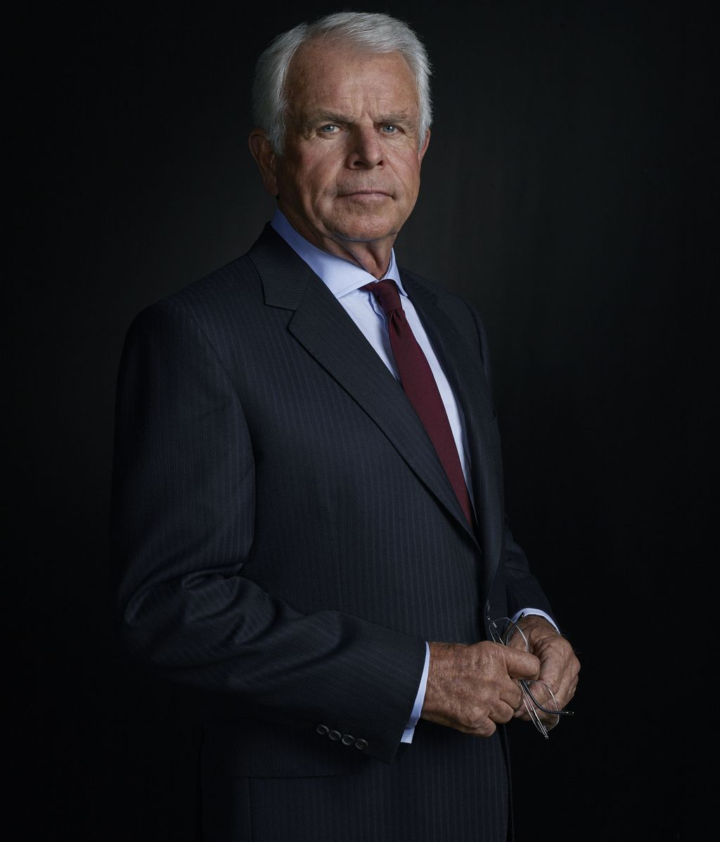 William Devane es el Presidente James Heller