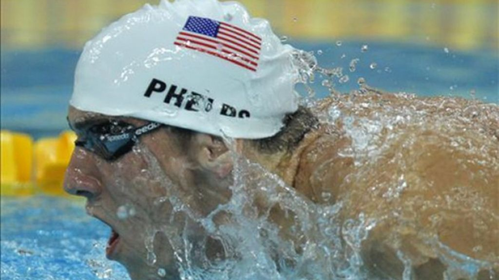 Phelps bate el récord olímpico de 400 libre en su primera aparición