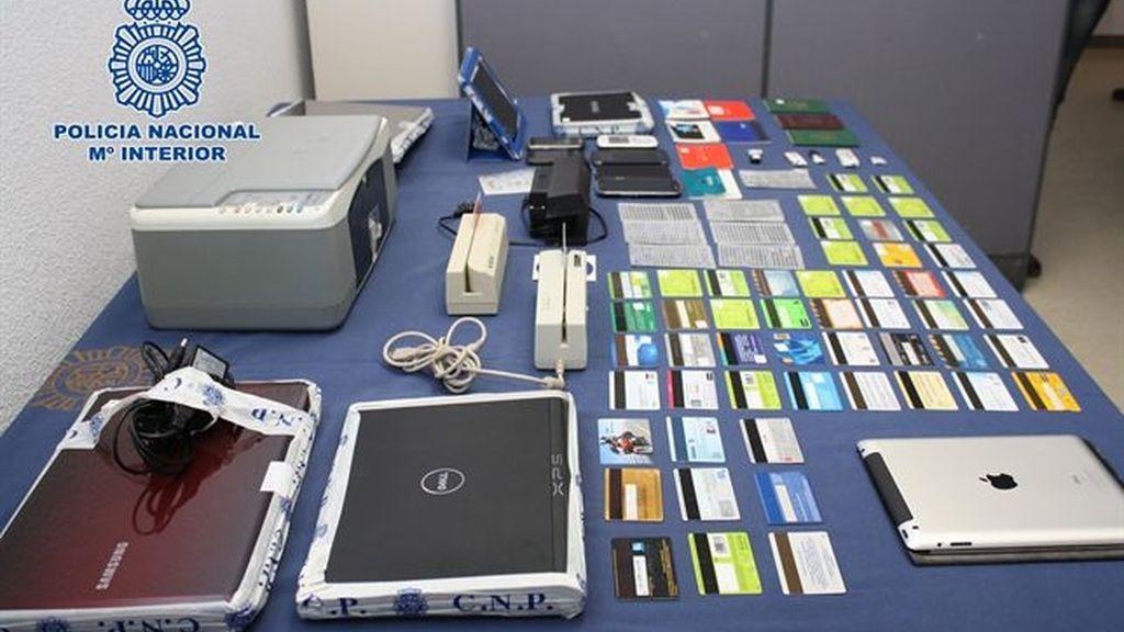 15 personas estafan más de 400.000 euros a través de la falsificación de tarjetas de crédito