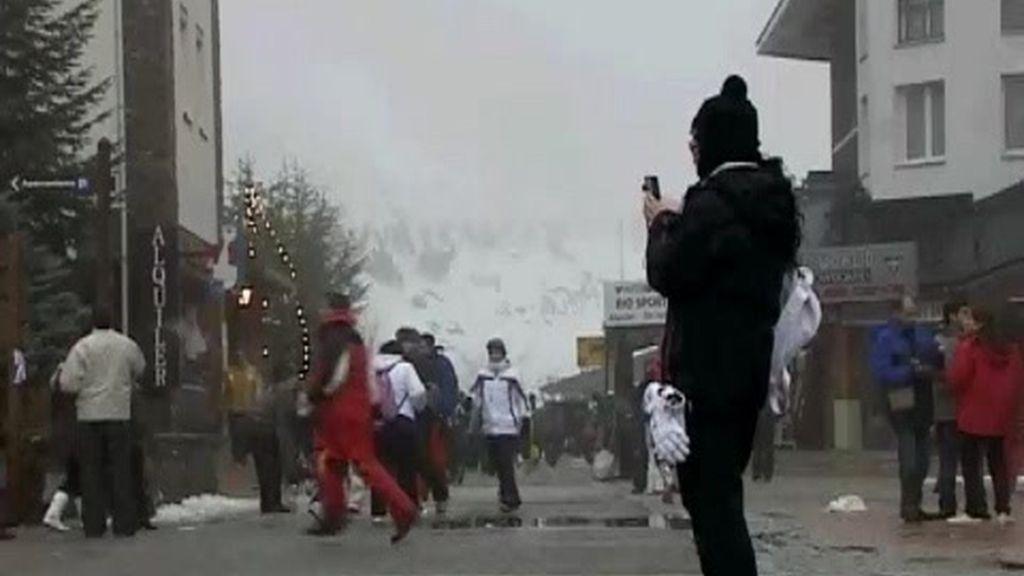 Cerrada la estación de esquí de Sierra Nevada por viento