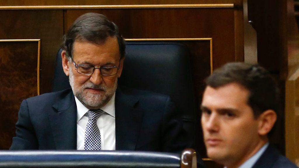 """Rivera acusa a Rajoy de """"romper todos los puentes"""" con Ciudadanos"""