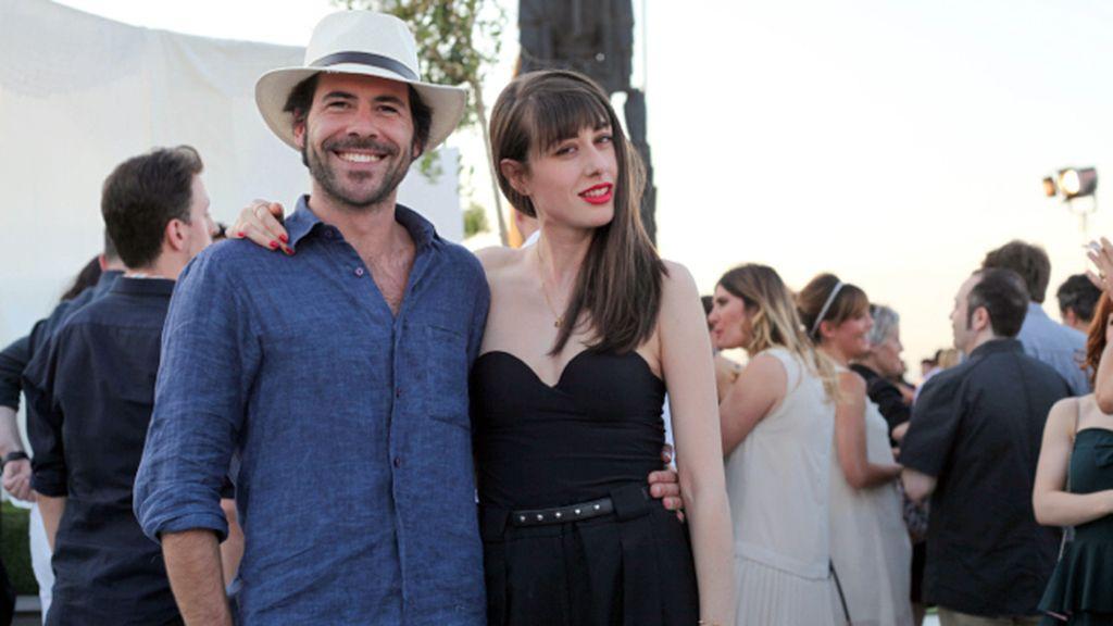 Miguel Carrizo en la terraza del Círculo de Bellas Artes junto a la estilista Natalia Ferviú