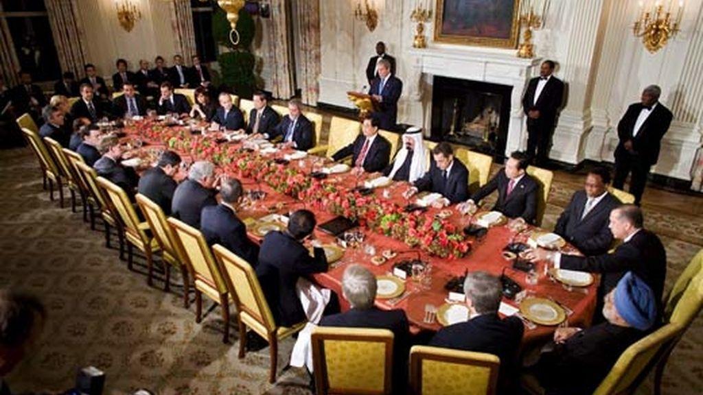 El presidente de EEUU, George W. Bush, se dirige a los líderes de los países del G-20 durante la cena oficial en la Casa Blanca.Vídeo: ATLAS