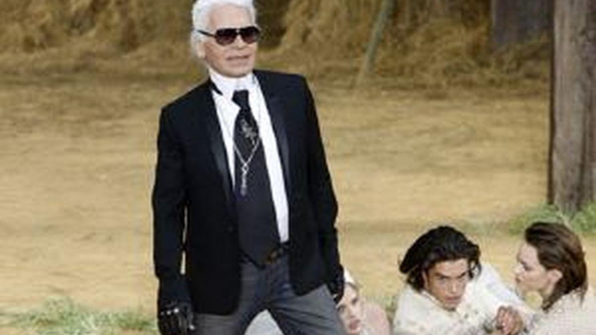 Karl Lagerfeld durante el desfile de Chanel en la Semana de la moda de París. Foto: Reuters