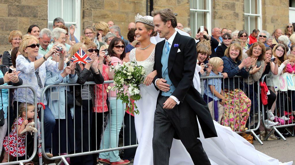 La novia junto a su padre, el Duque de Northumberland