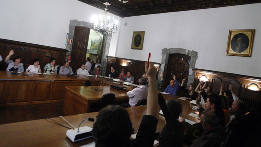 Votación en el ayuntamiento de Mondragón