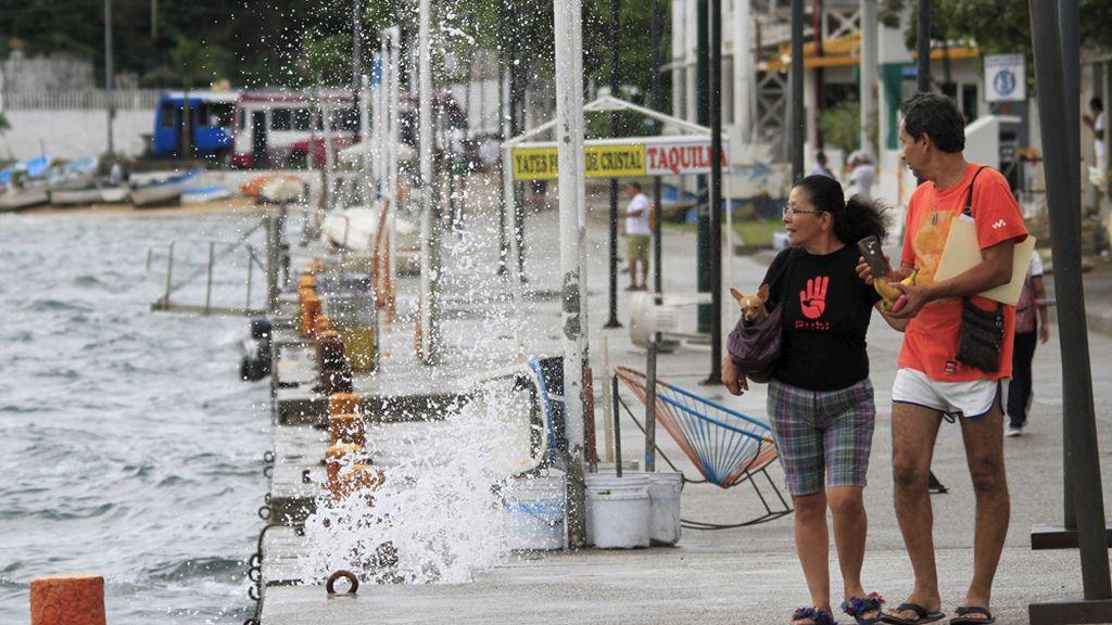 México se prepara para la llegada del huracán Patricia