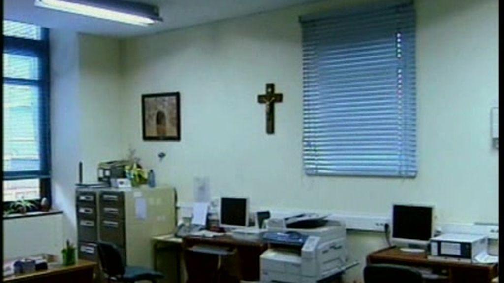 Los crucifijos saldrán de la escuela pública