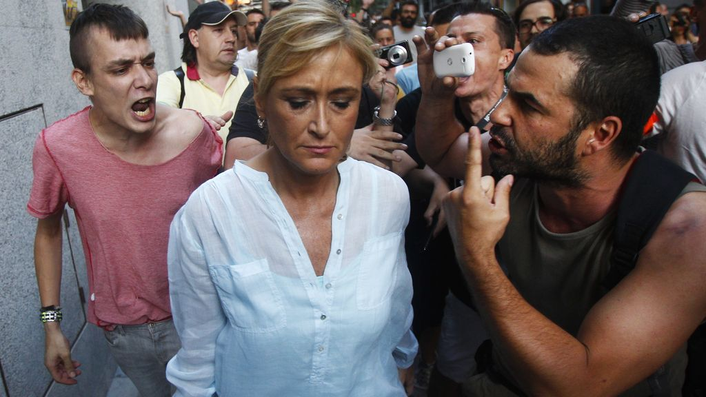 Cristina Cifuentes increpada en Madrid