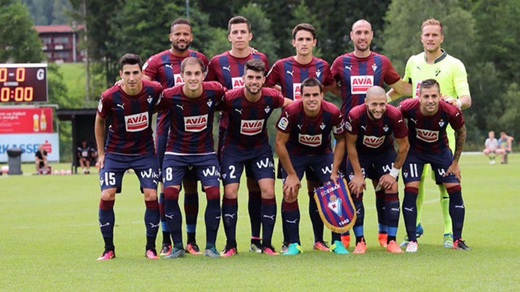 Equipación del Eibar en la temporada 2016/2017