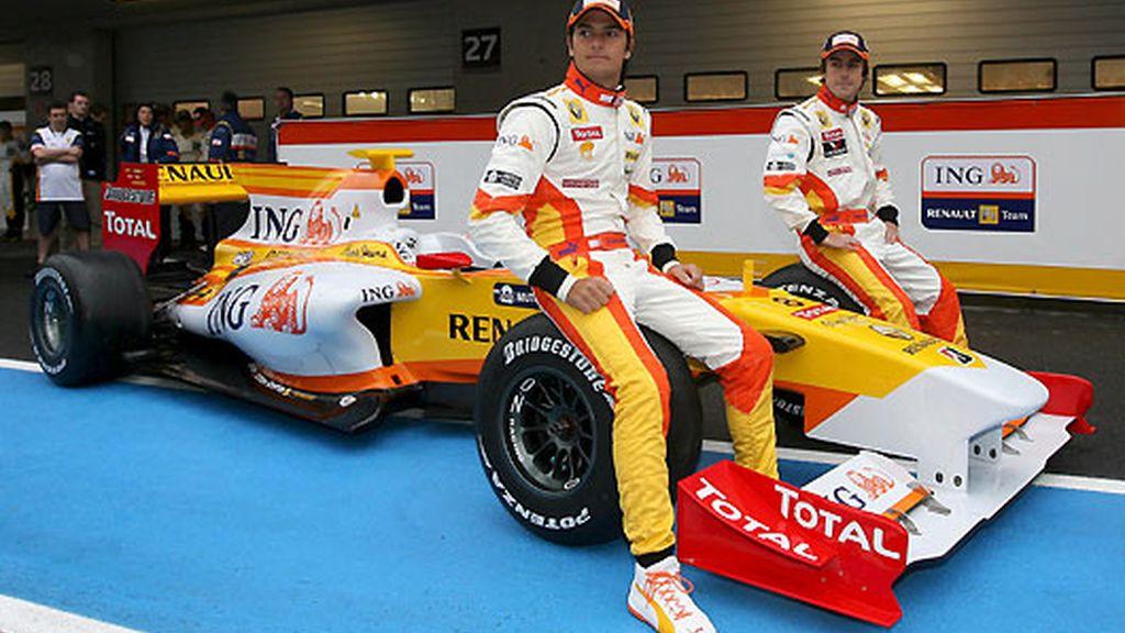 Alonso y Piquet descubren el R-29.