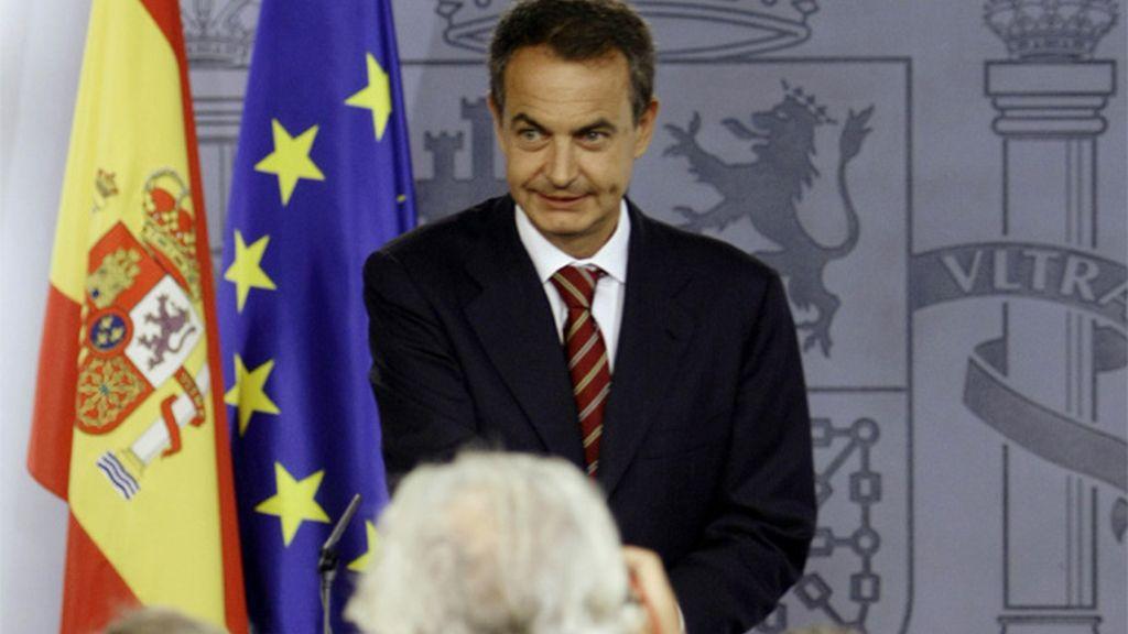 Zapatero momentos antes de la rueda de prensa