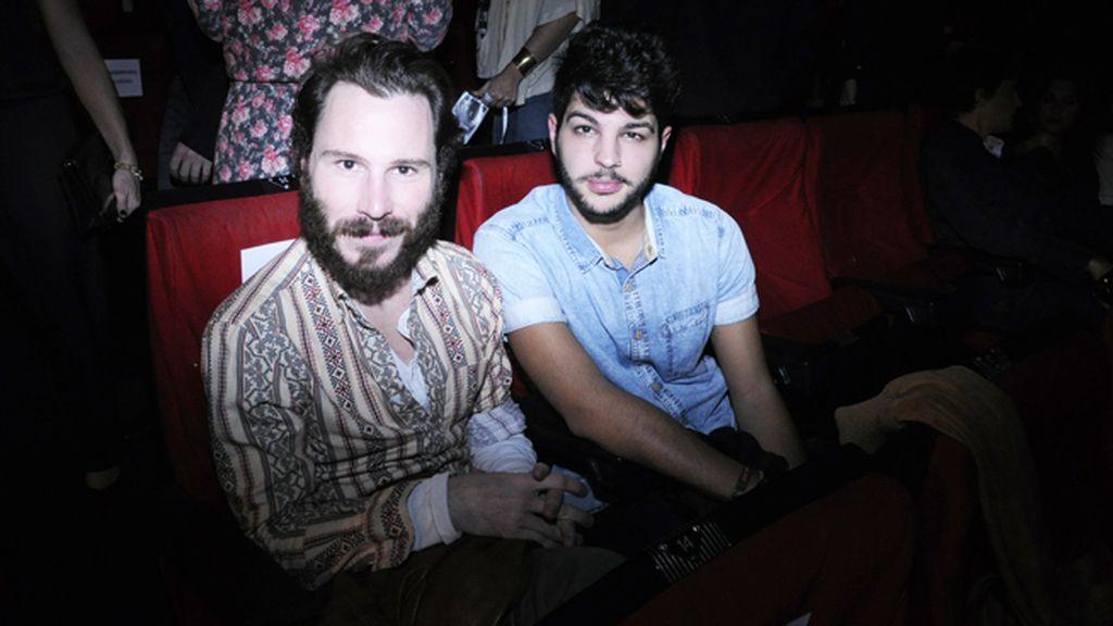 Rubén Ochandiano acudió al estreno junto a su amigo Carlos