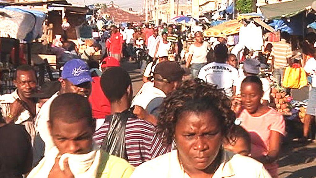 Así de saturado se encuentra el mercado de la capital de Jamaica