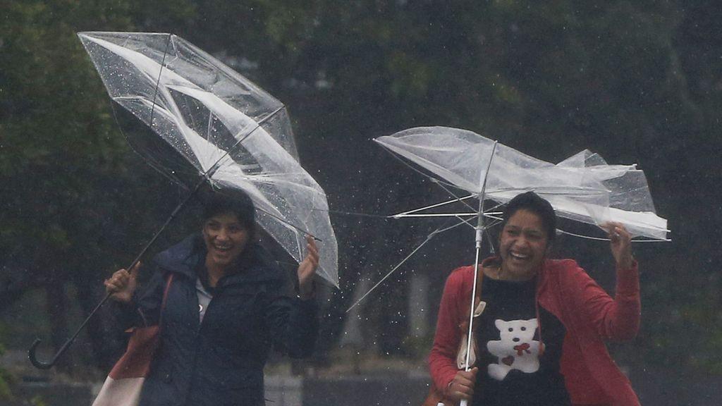 Un  muerto y diez heridos por la llegada del tifón 'Phanfone' a Japón