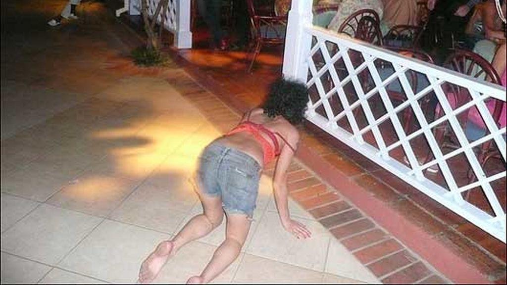 ¿Realmente acabaría Amy WInehouse por los suelos? Foto: The Sun