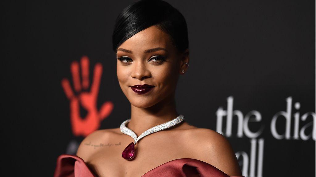 Rihanna en su cena benefica