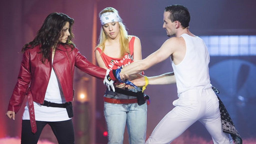 Vicky, Lorena y Quique