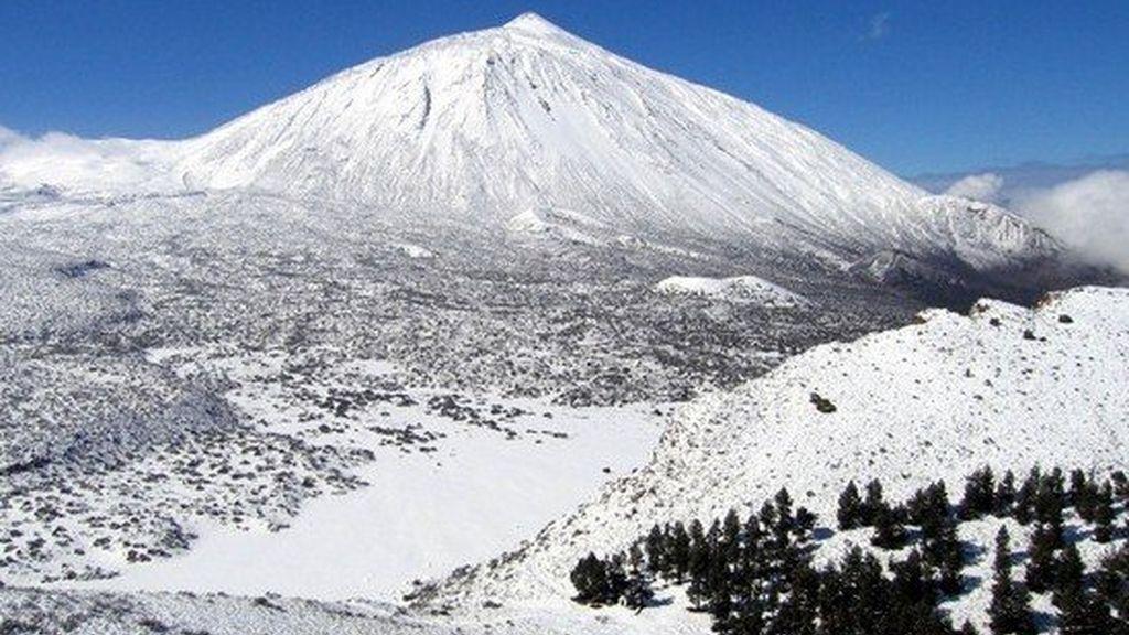 Cortan los accesos al Teide por hielo y nieve