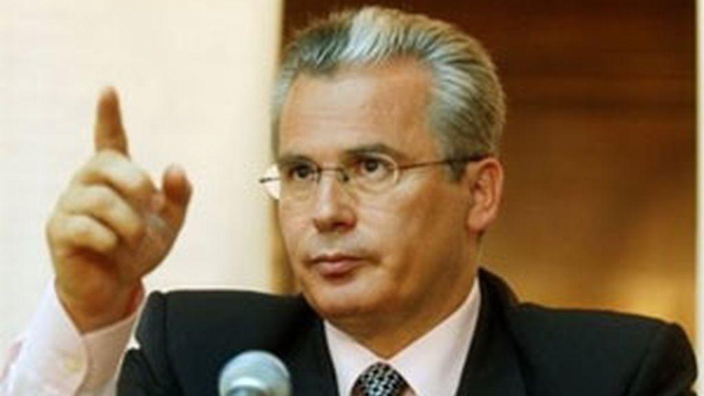 Garzón resta importancia a la querella presentada en su contra por el PP. Video: ATLAS.
