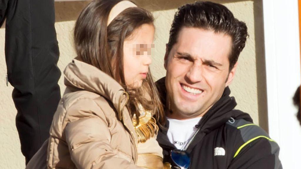 Bustamante, que acaba de cumplir ocho años con Echevarría, con su hija Daniela