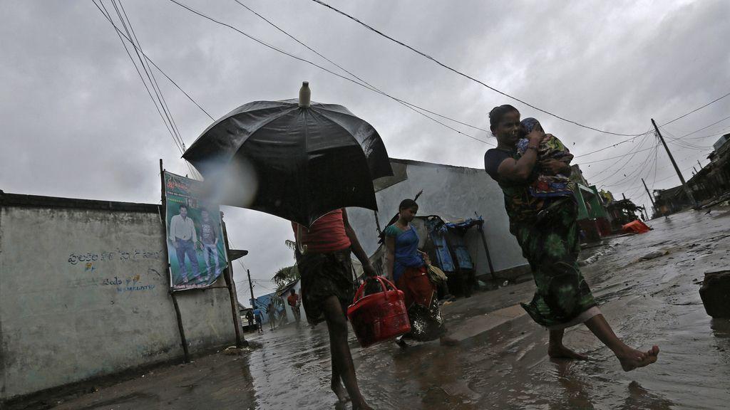 Siete muertos con la irrupción del ciclón 'Phailin' en el estado oriental de Odisha