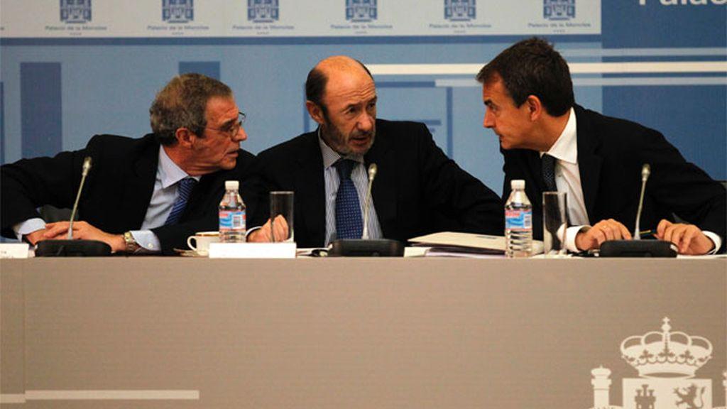 Zapatero se compromete con los empresarios a acelerar las reformas económicas