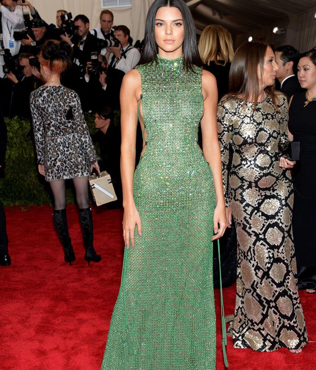 Kendall Jenner con vestida de Calvin Klein