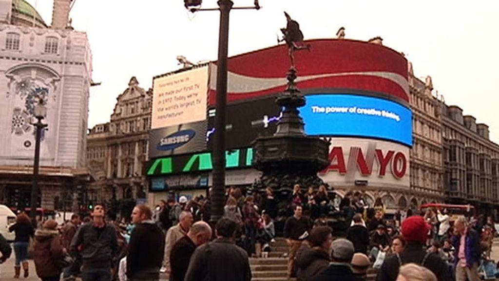 El bullicio de Piccadilly Circus, el corazón de Londres
