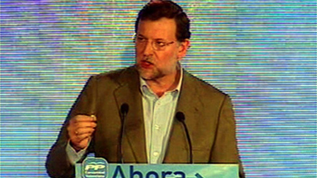"""Rajoy asegura que la subida del IVA es un """"sablazo del mal gobernante"""""""