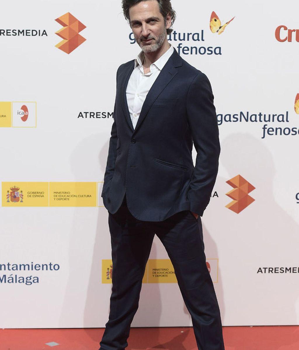 Ernesto Alterio, con deportivas para darle un toque 'casual' a su look