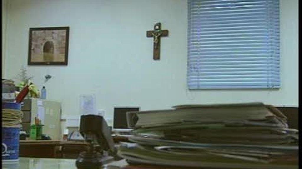 Quitan los crucifijos de un colegio