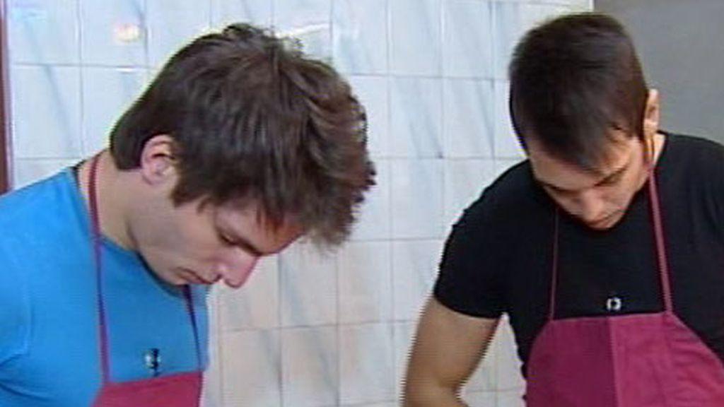 ¡Marc y Eduardo con mandil!