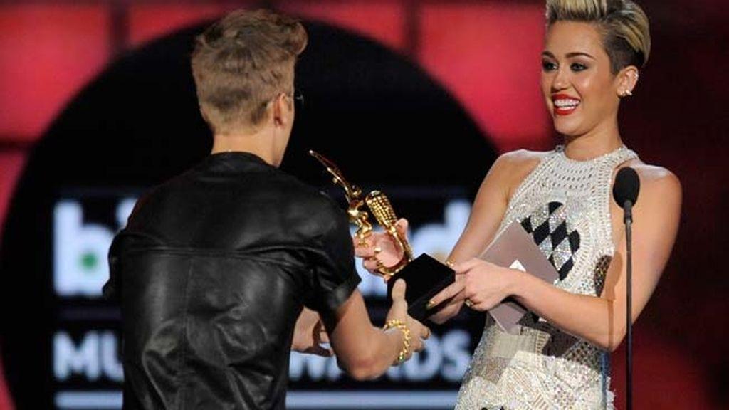 Música y guapos en los 'Premios Billboard'