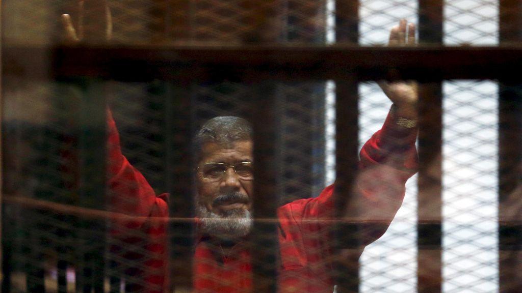 Imponen una nueva cadena perpetua al expresidente egipcio Mursi