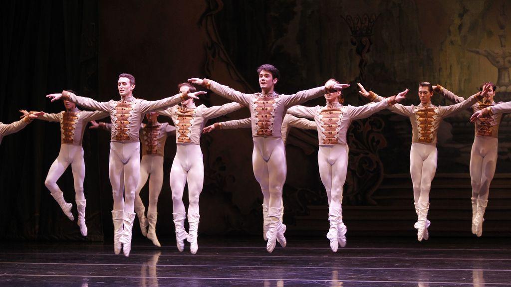 El ballet nacional uruguayo presenta 'Gala V', codirigida por Julio Boca