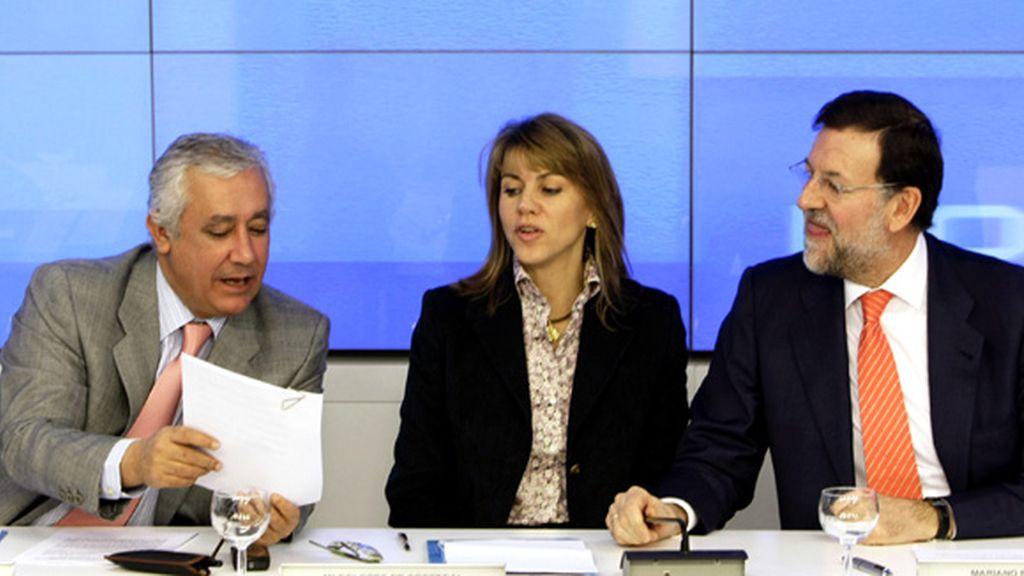 Arenas, Cospedal y Rajoy durante una reunión del partido