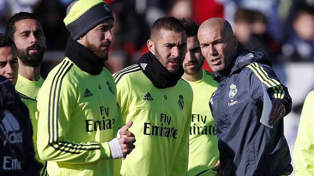 Primer día de Zidane al frente del Madrid (05/01/2016)
