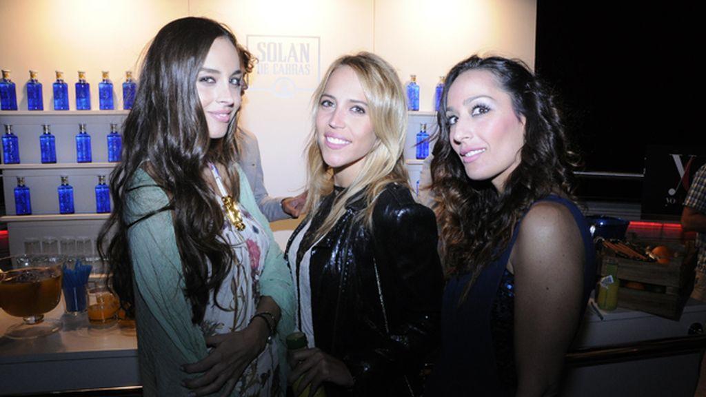 Lorena Van Heerde,  Raquel Flores y María José Fernández