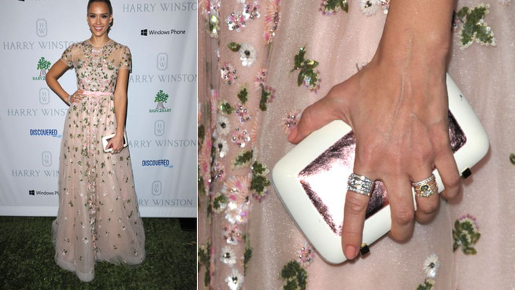 Jessica Alba, con un vestido de la colección Resort 2013 de Valentino