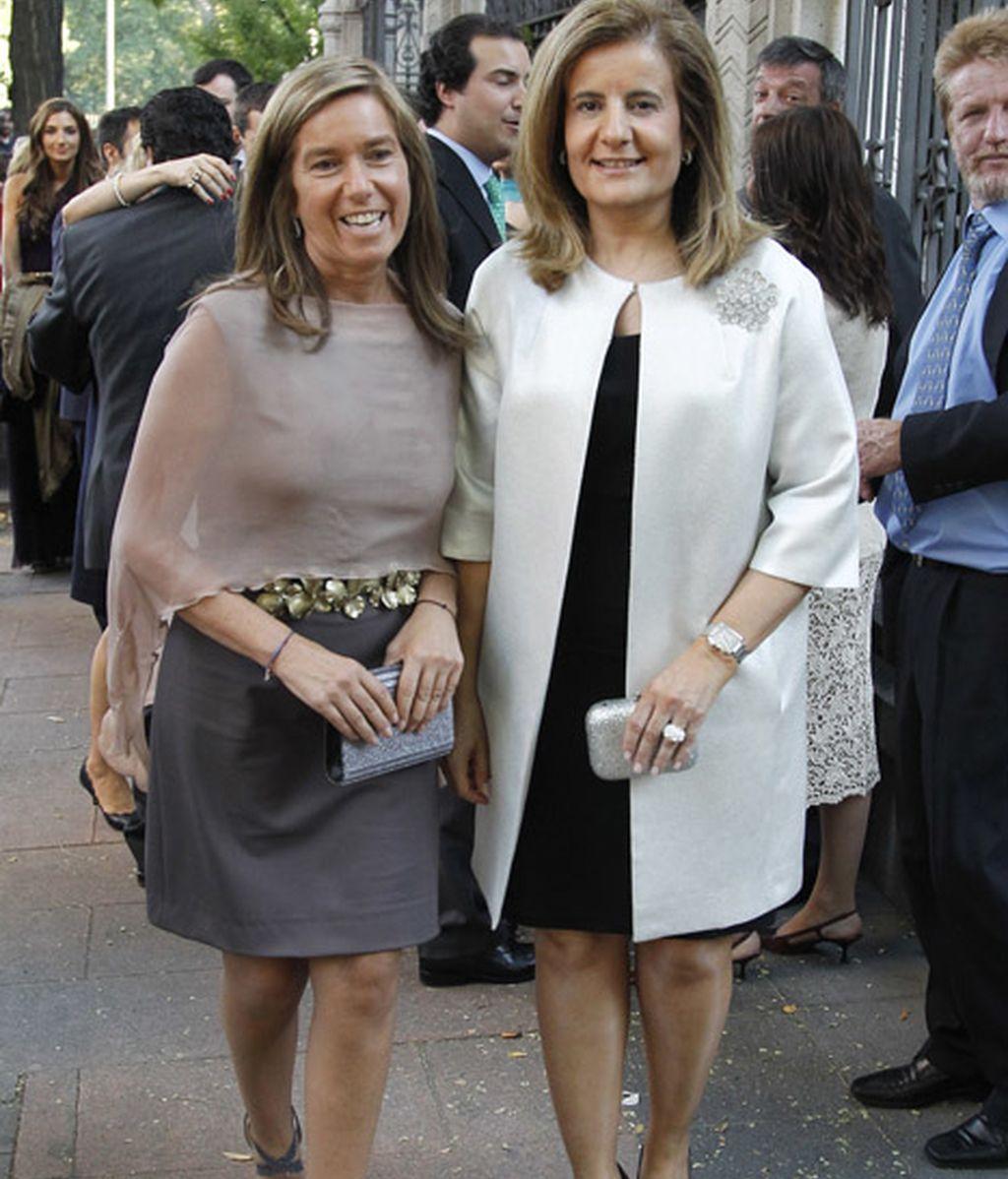 Las ministras de Sanidad y Empleo, Ana Mato y Fátima Báñez, muy contentas