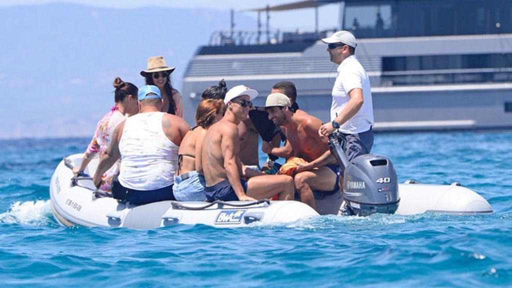 Se recupera de su lesión con su inseparable Ricardo Regufe y compañía