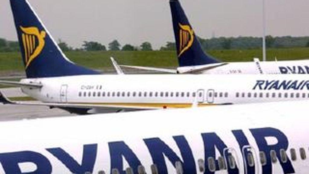 Ryanair los dejó en la isla equivocada y les dijo que se encargase de gestionar su conexión con Lanzarote. Foto: EFE